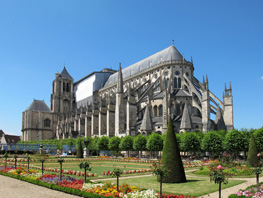 cathedrale_de_bourges-min